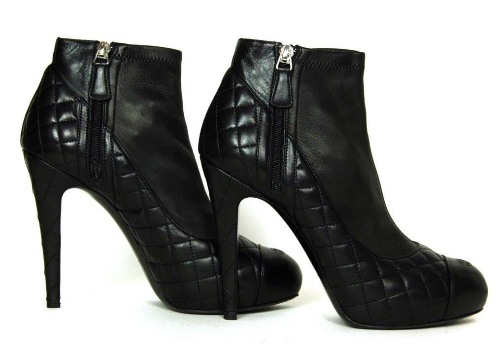 CHANEL Black Leather Ankle Booties W. Quilting, Cap Toe & Side Zippers Sz. 39.5 6