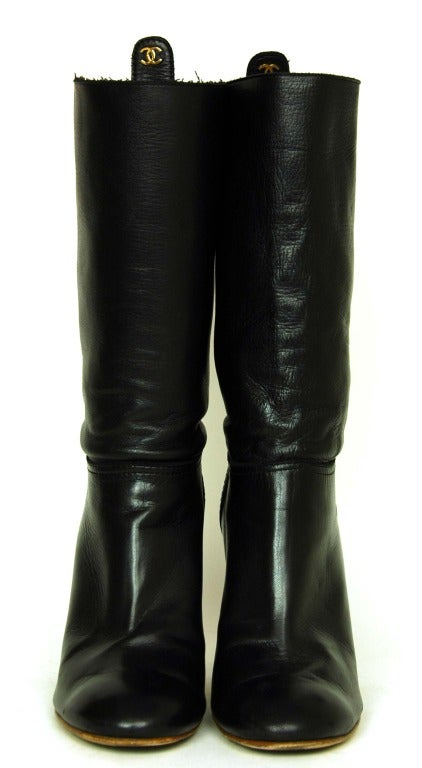 CHANEL Black Leather Short Boots W. Quilted Detail & CC Sz. 40 2