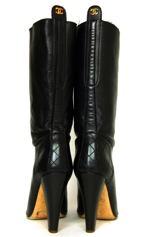 CHANEL Black Leather Short Boots W. Quilted Detail & CC Sz. 40 6
