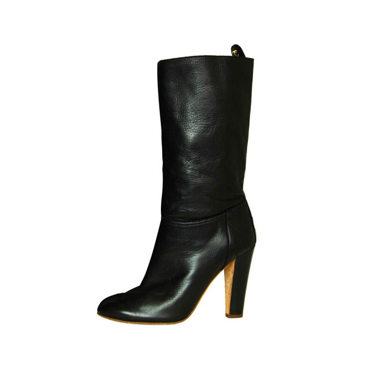 CHANEL Black Leather Short Boots W. Quilted Detail & CC Sz. 40 1