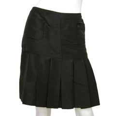 CHANEL Black Silk Taffeta Pleated Skirt W. Two Front Pockets Sz. 40