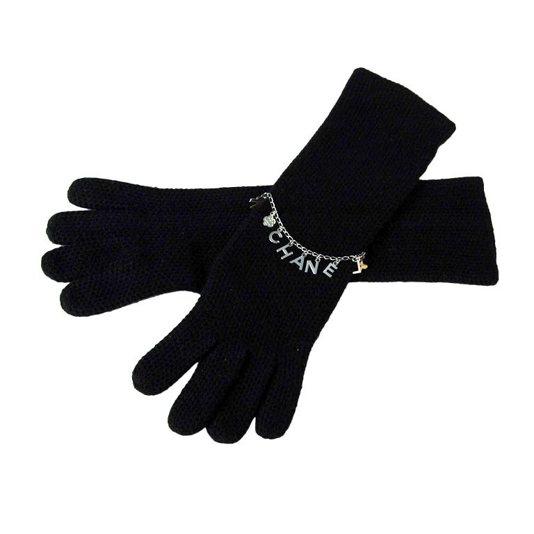 CHANEL Black Cashmere Long Gloves With Charms - Sz. Small 1