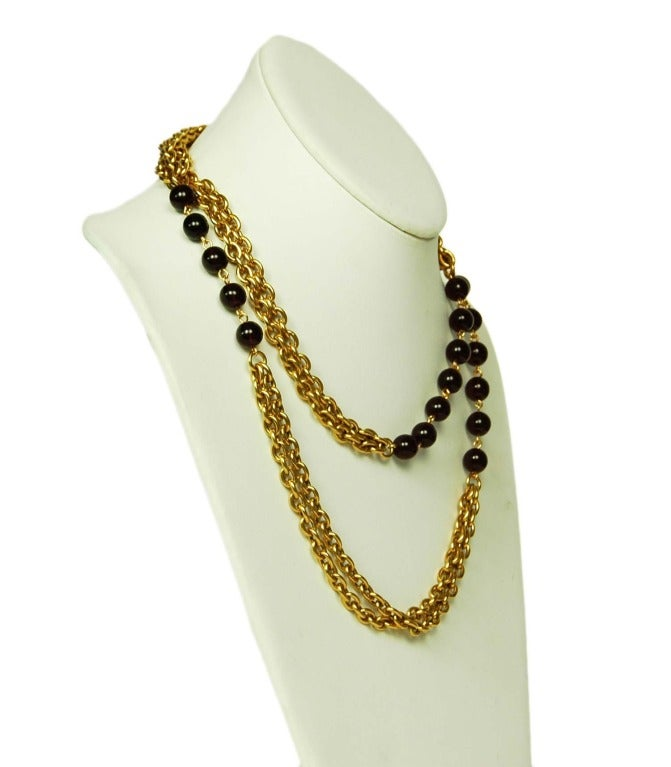 CHANEL Gold Chain Link Necklace W. Red Gripoix Beads c. 1970s/80s In Excellent Condition For Sale In New York, NY