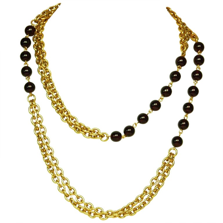CHANEL Gold Chain Link Necklace W. Red Gripoix Beads c. 1970s/80s For Sale