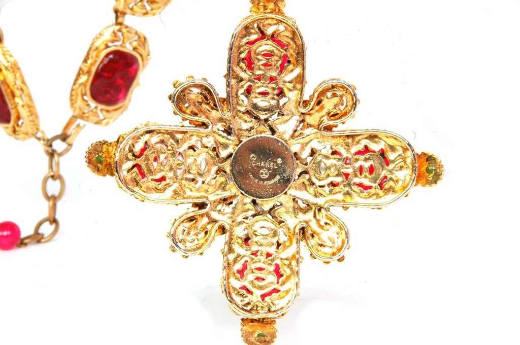 CHANEL Goldtone Necklace With Red and Green Gripoix Medallions c. 1970s/80s 4