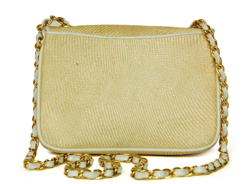 Chanel Vintage '86 Raffia Mini Shoulder Bag w. CC and Chain Strap In Good Condition In New York, NY