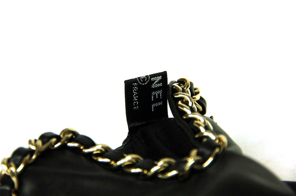 CHANEL Black Leather Gloves With Chain Detail - Sz 7 5