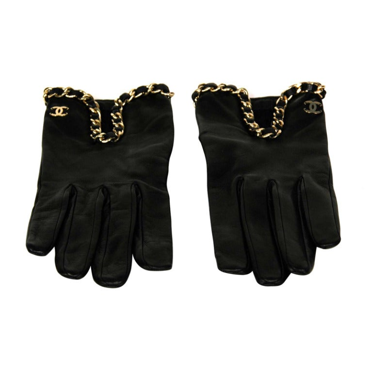CHANEL Black Leather Gloves With Chain Detail - Sz 7 1