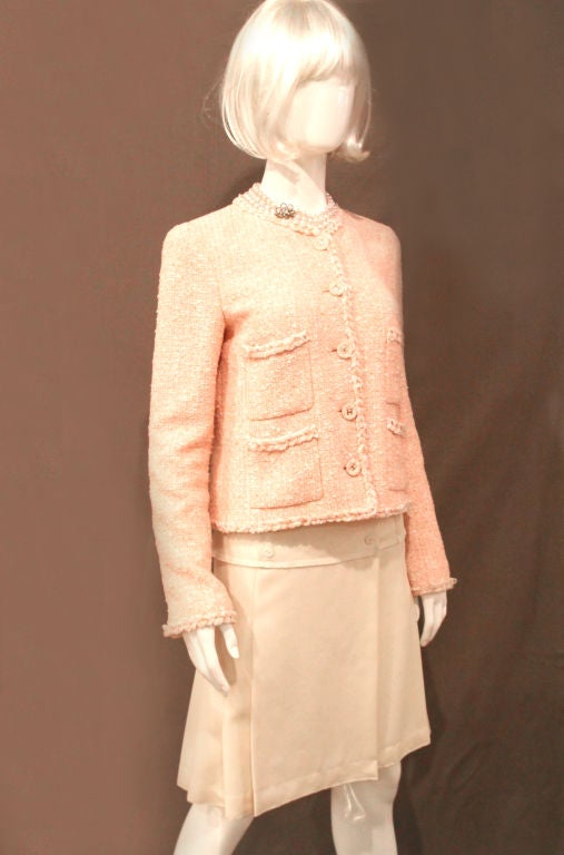 CHANEL 07P PEACH TWEED BOUCLE JACKET W/ BRAIDED TRIM - SZ 42 For Sale 1