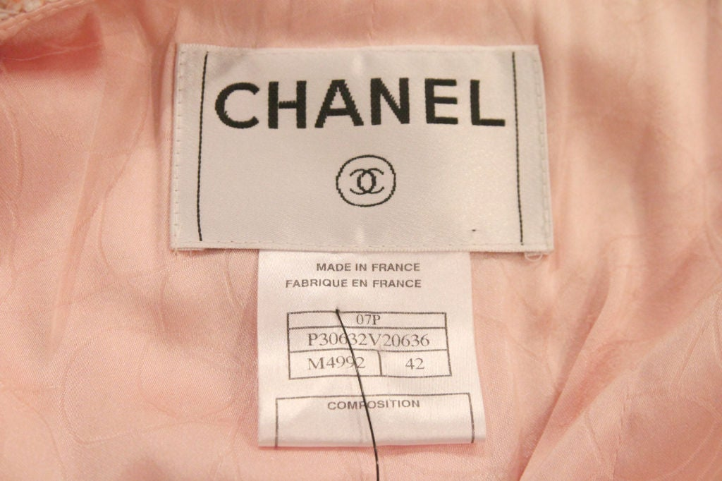 CHANEL 07P PEACH TWEED BOUCLE JACKET W/ BRAIDED TRIM - SZ 42 For Sale 7