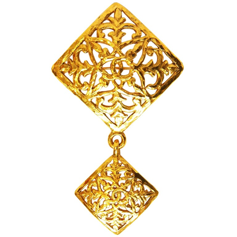 CHANEL Vintage '70s-'80s Gold Brocade Double Diamond Brooch 1