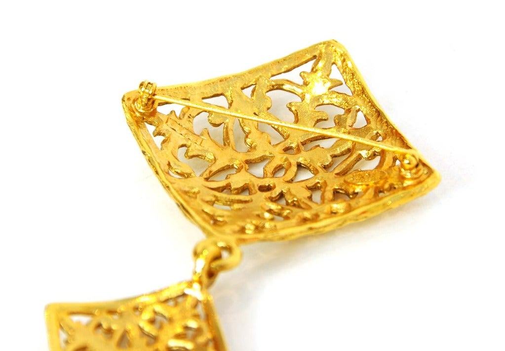 CHANEL Vintage '70s-'80s Gold Brocade Double Diamond Brooch 3