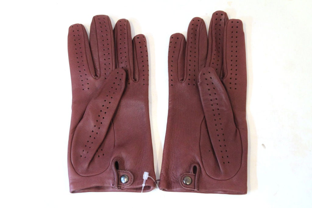 CHANEL 08A BROWN LEATHER GLOVES W/ ZIPPER, BEAD CRYSTAL BOW 7.5 3
