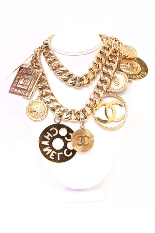 CHANEL GOLTDONE MEDALLION CHAIN BELT / NECKLACE image 2