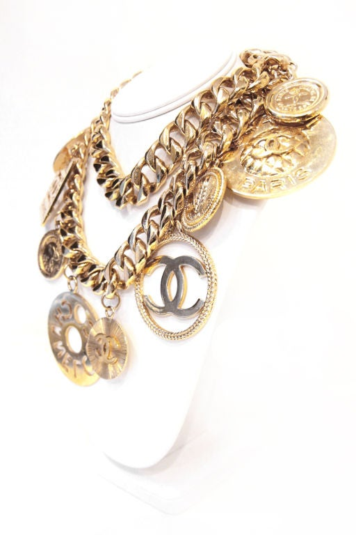 CHANEL GOLTDONE MEDALLION CHAIN BELT / NECKLACE image 3