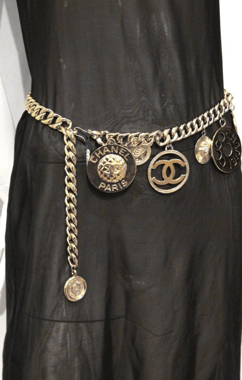 CHANEL GOLTDONE MEDALLION CHAIN BELT / NECKLACE image 7