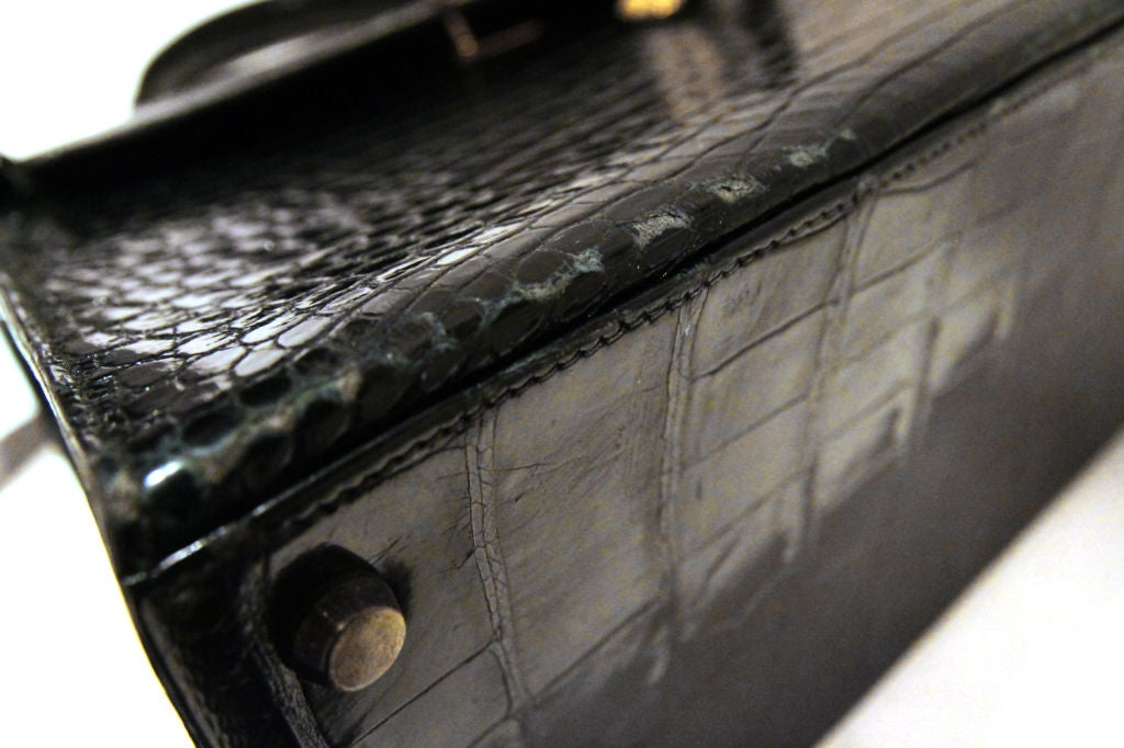 HERMES VINTAGE BLACK CROCODILE 32 CM KELLY BAG For Sale 4