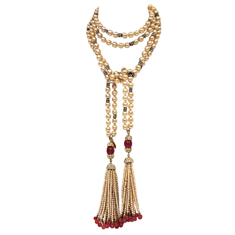 CHANEL necklace with rhinestones and red beads