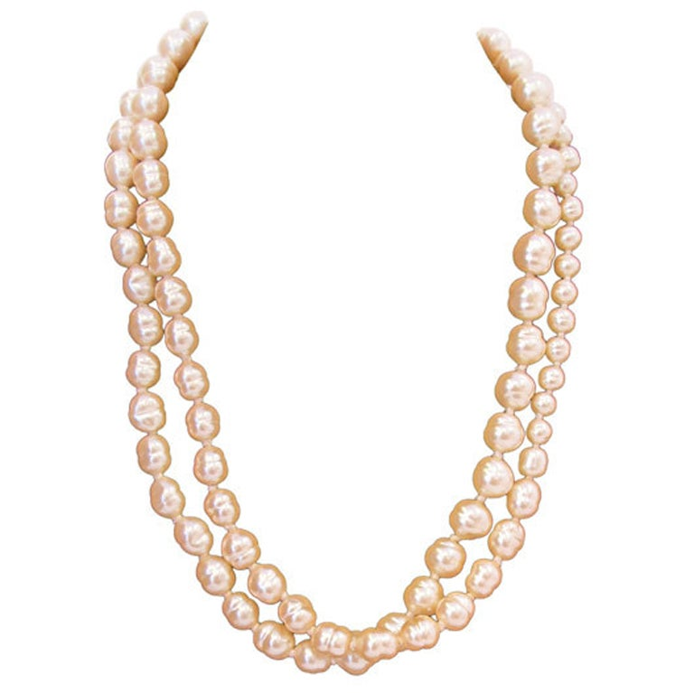 Chanel pearl necklace (1991)