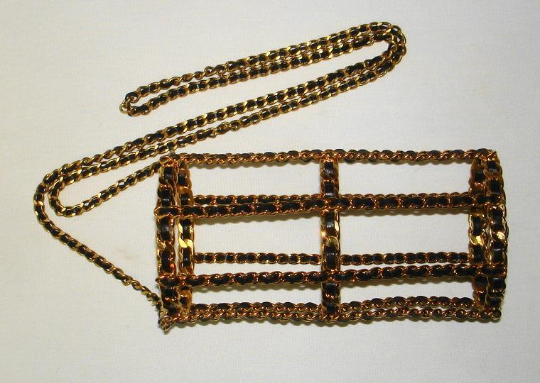 Women's or Men's Chanel 94 Black Leather & Gold Metal Bottle Holder For Sale