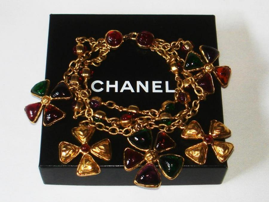 Chanel 70's Gripoix Glass 3-row Maltese Cross Necklace 10