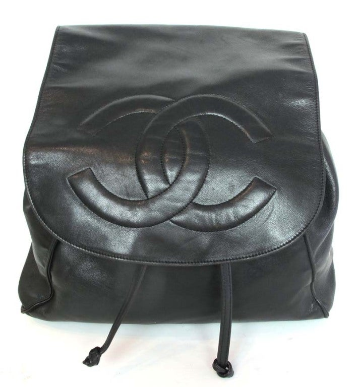 CHANEL Black Leather Backpack With Gold Hardware image 2