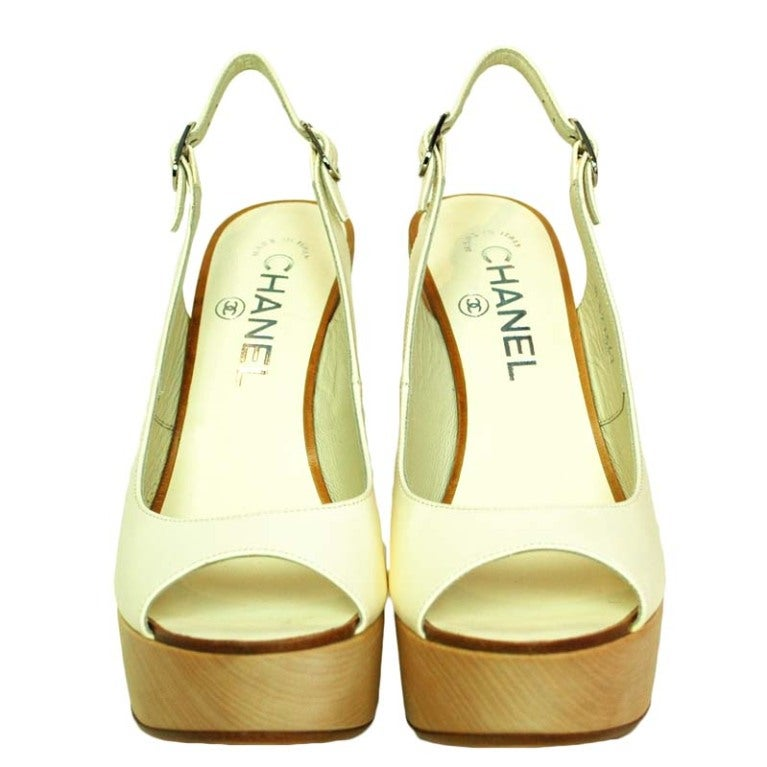 CHANEL White Leather Sling Back With Wooded Heel 2