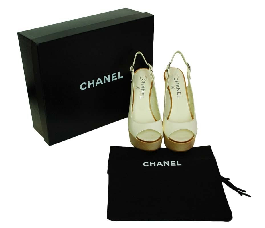 CHANEL White Leather Sling Back With Wooded Heel 3