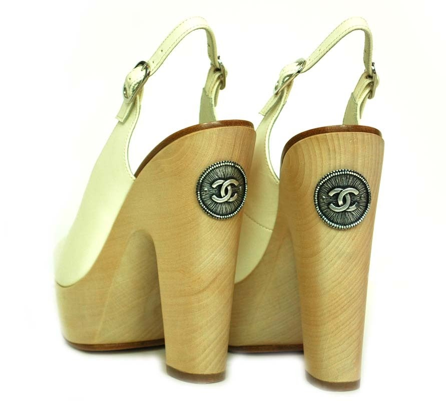 CHANEL White Leather Sling Back With Wooded Heel 4