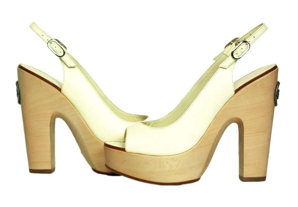 CHANEL White Leather Sling Back With Wooded Heel 6