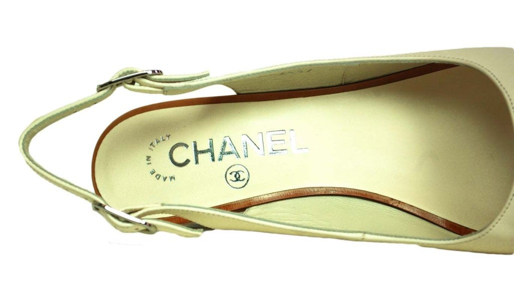 CHANEL White Leather Sling Back With Wooded Heel 7