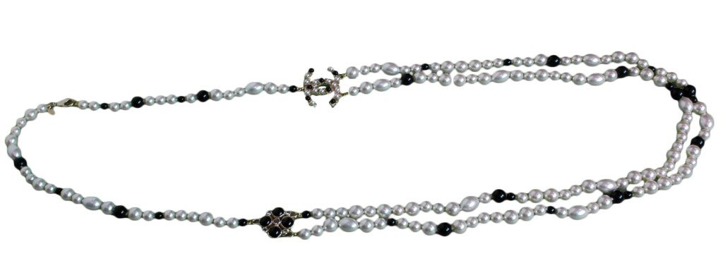 CHANEL Black/White Pearl Necklace image 6