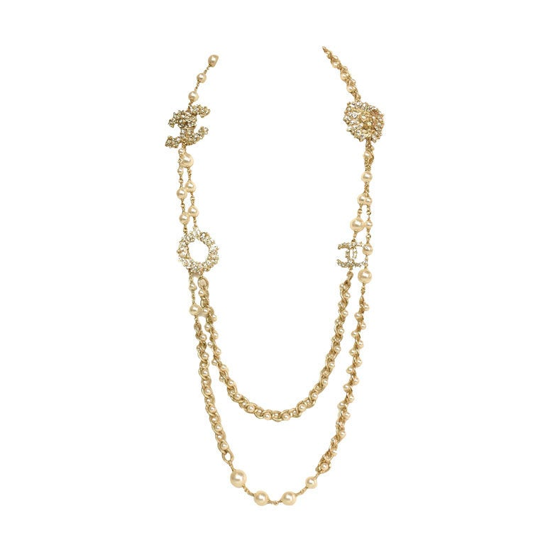 CHANEL Goldtone Pearl Necklace with Rhinestone Lion Head & CC
