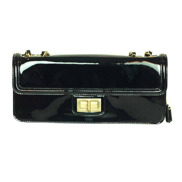 CHANEL Black Patent Leather Shoulder Bag With 2.55 Lock 1
