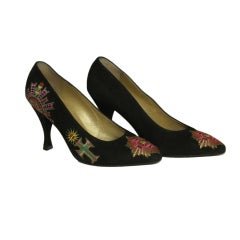 GIANNI VERSACE Black Suede Embroidered Pumps