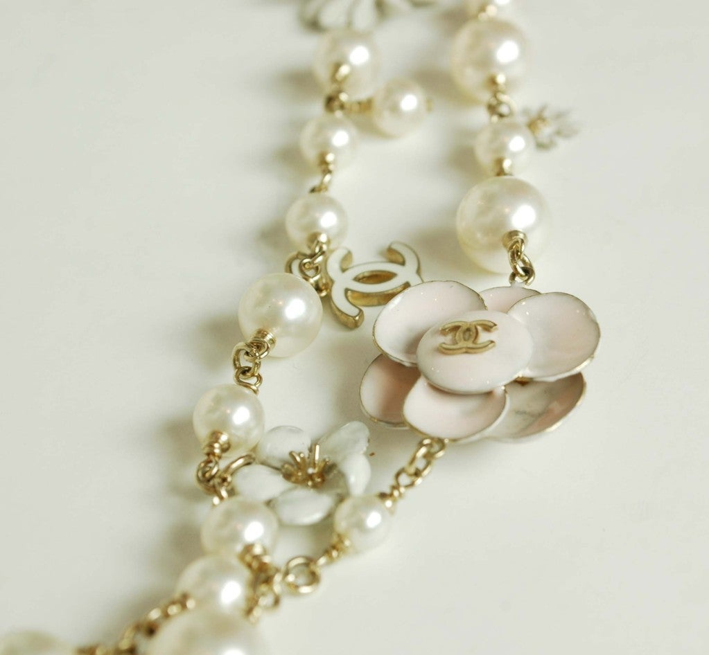 CHANEL Pearl Necklace with Pink Camellia Flowers image 5