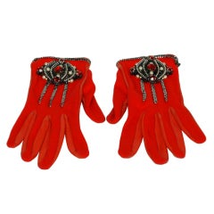 CHANEL Red Wool/Leather Gloves With Zipper/Chain Design