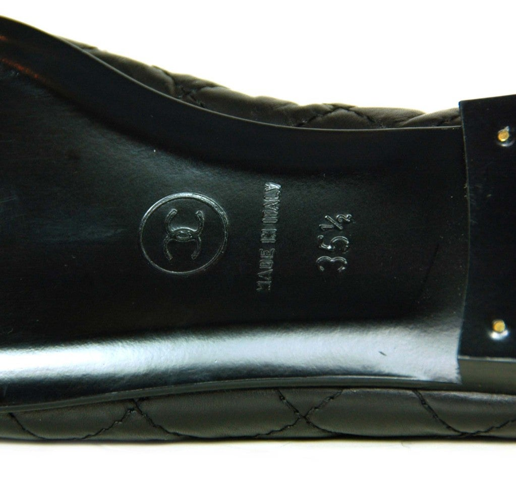 CHANEL Black Quilted Leather Flats with CC Toes 6