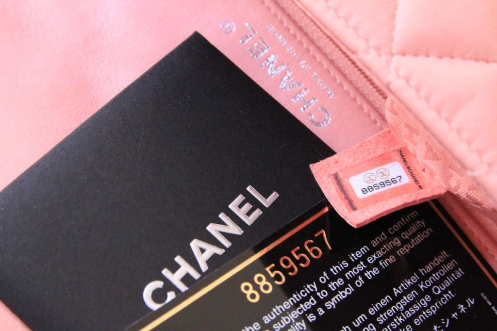 "Chanel Valentine Heart Chain Pink Quilted Leather 10"" Flap Bag For Sale 6"