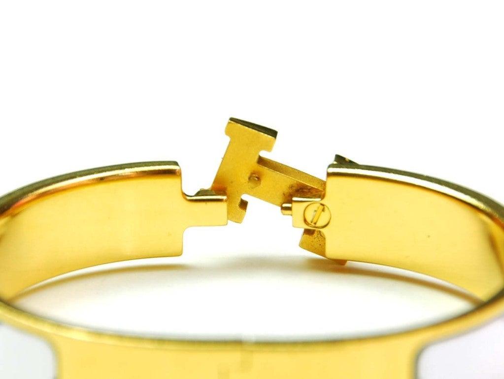hermes white narrow h clic clac bracelet at 1stdibs. Black Bedroom Furniture Sets. Home Design Ideas