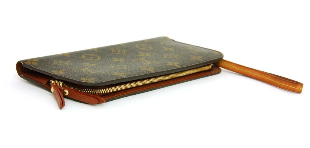 LOUIS VUITTON Monogram Insolite Wallet with Wristlet rt. $825 image 5 - 1024 x 491  43kb  jpg