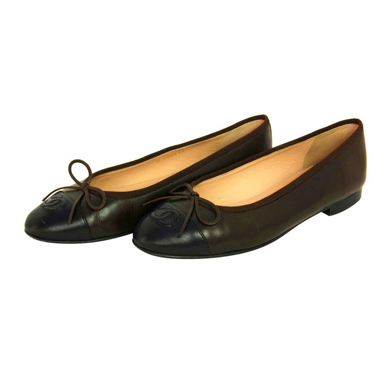 CHANEL Brown/Black Leather Ballet Flat Shoes - Size Euro 38/US 8
