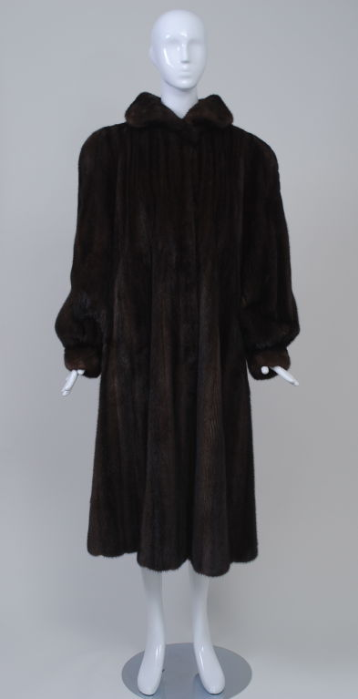 LUXURIOUS MAHOGANY MINK COAT 3