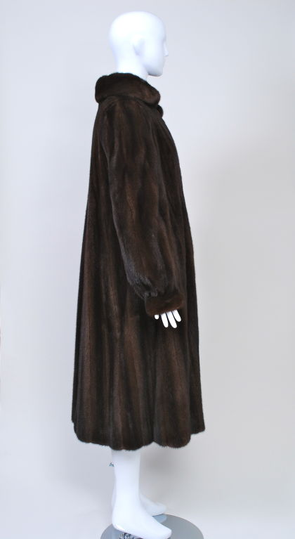 LUXURIOUS MAHOGANY MINK COAT 4