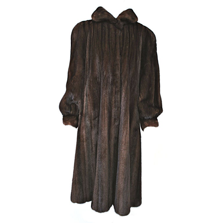 LUXURIOUS MAHOGANY MINK COAT 1