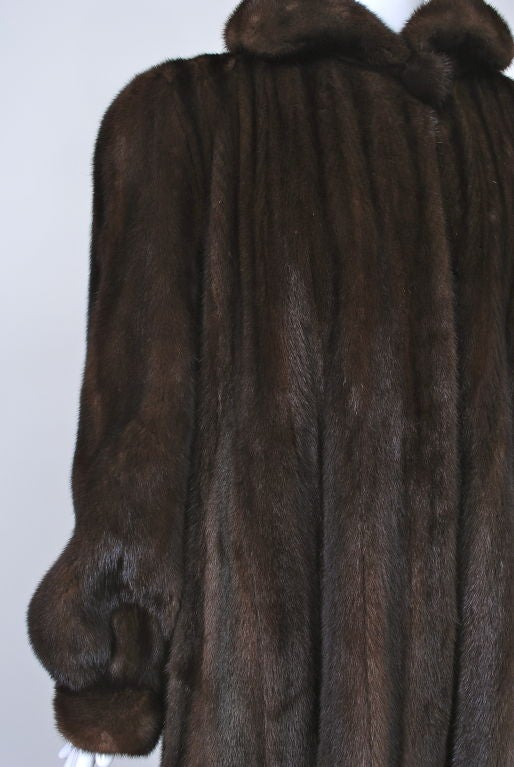 LUXURIOUS MAHOGANY MINK COAT 6