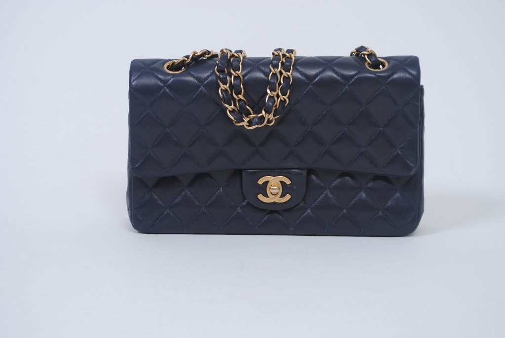 CHANEL CLASSIC NAVY  QUILTED DOUBLE-FLAP HANDBAG 2