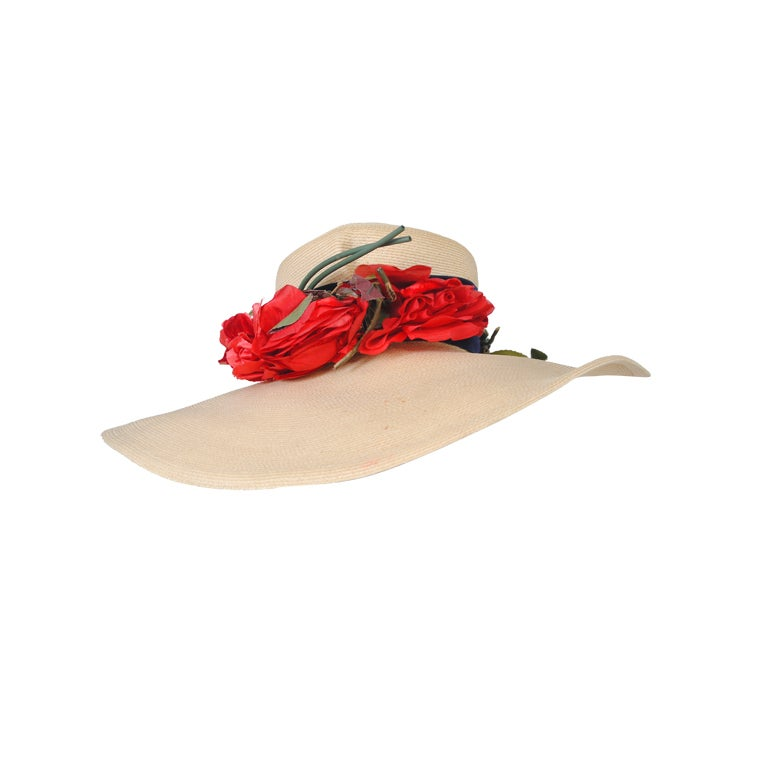 1940S STRAW HAT W/RED FLOWERS For Sale