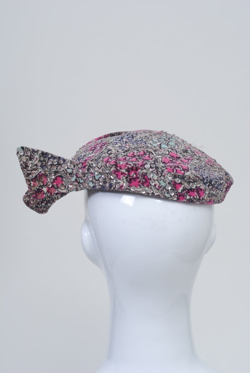 Print Velvet hat with Sequins For Sale 1