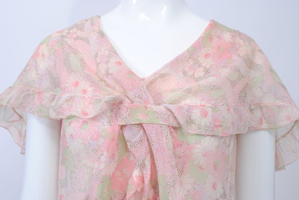Gray 1930s Pastel Floral Print Day Dress For Sale